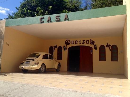 Casa Quetzal: Front