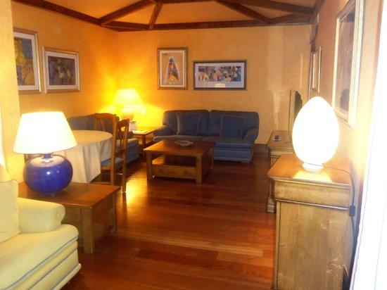 Princesa Yaiza Suite Hotel Resort: Lounge /dining area in suite