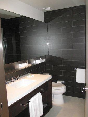 Hyatt Centric Times Square New York: Bathroom