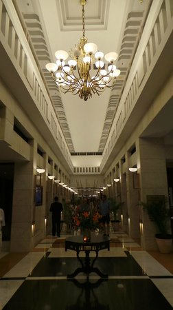 Jaypee Palace Hotel & Convention Centre Agra: The foyer