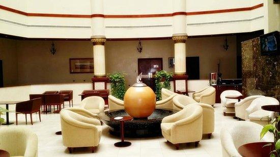 Golden Tulip Khatt Springs Resort & Spa: Lobby