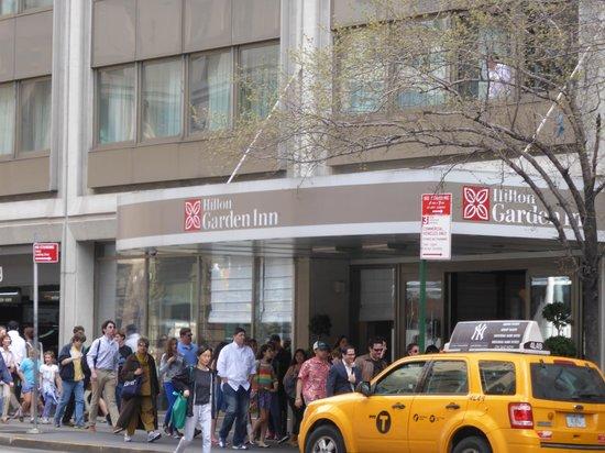 Entrance Picture Of Hilton Garden Inn Times Square New York City Tripadvisor