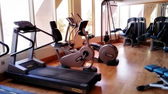 Golden Tulip Khatt Springs Resort & Spa: Gym