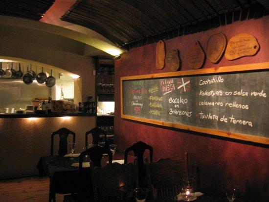 Goulu: Los platos en pizarra..
