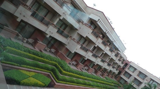 Jaypee Palace Hotel & Convention Centre Agra : Each room faces the gardens