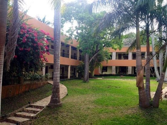 Hotel Hacienda Uxmal Plantation & Museum : Blick in den Garten