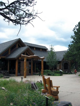 Front entrance of Lookout Mountain Nature Center