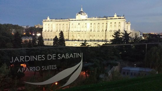ApartoSuites Jardines de Sabatini: view from roof terrace