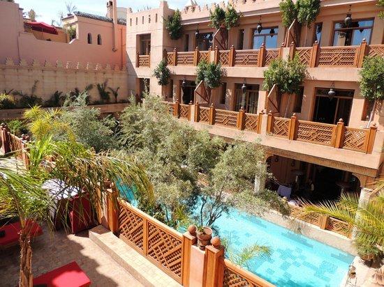 La Maison Arabe: zwembad/restaurant