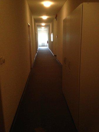 Alecsa Hotel am Olympiastadion: Flur