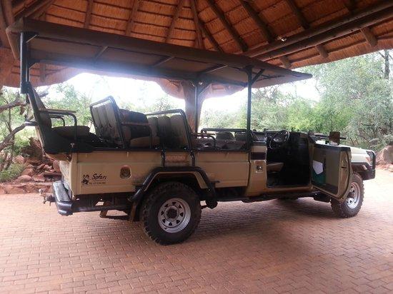 Madikwe Hills Private Game Lodge: Safari transport!