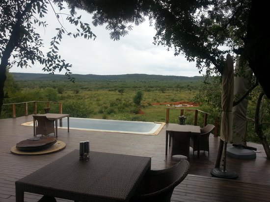 Madikwe Hills Private Game Lodge: Lunch and dinner view