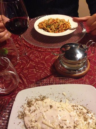 Trattoria del Contadino: Primi piatti... Poci fatti a mano all'aglione