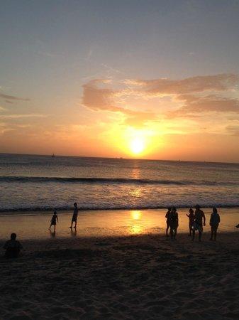 Flamingo Beach Resort And Spa : Playa extensa