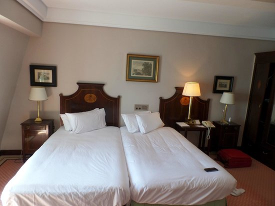Eurostars Hotel Real: habitacion
