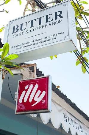 Butter Cake & Coffee Shop: best coffee served here!