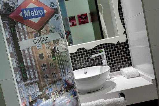 Hotel Indigo Madrid - Gran Vía: Baño Habitación
