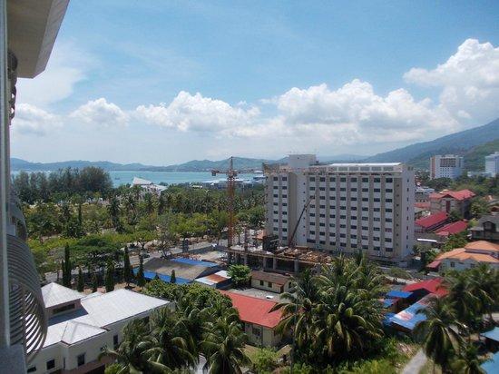 Langkawi Seaview Hotel: Sea view a long way away