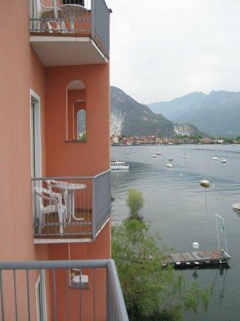 Hotel Carillon : dalla camera verso Feriolo