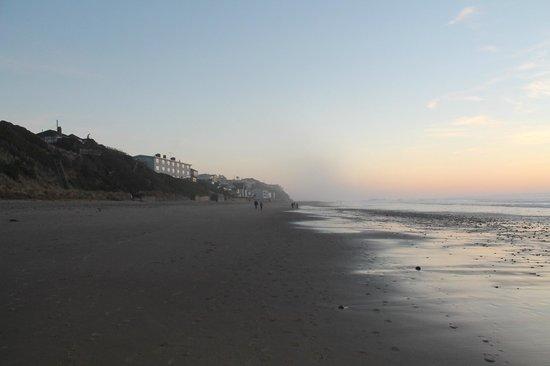 Westshore Oceanfront Motel : Motel, Beach and Ocean