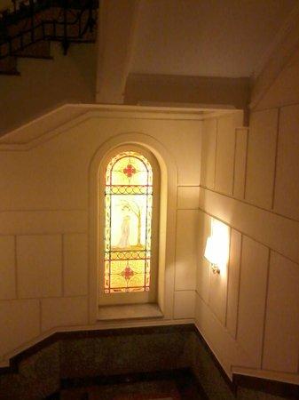 Grand Hotel Wagner : Vitraux de l'escalier