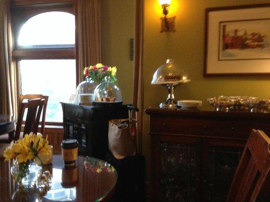 Inn on Ferry Street: Frühstücks- Aufenthaltsraum