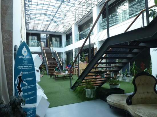 Lisbon Destination Hostel: Séjour et chambres au 1er étage