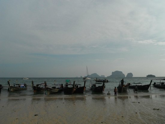 Rayavadee Resort : Long tail boat at the Pranang beach.