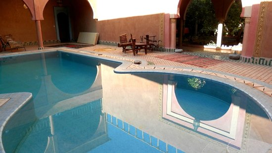 Guest House Merzouga: piscina