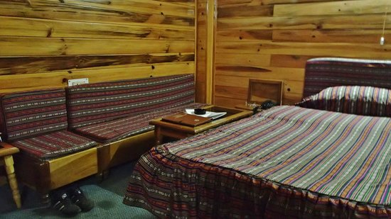 Tsepal Yongjam : la chambre avec un coin salon