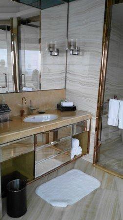 Sheraton Huzhou Hot Spring Resort : Bathroom