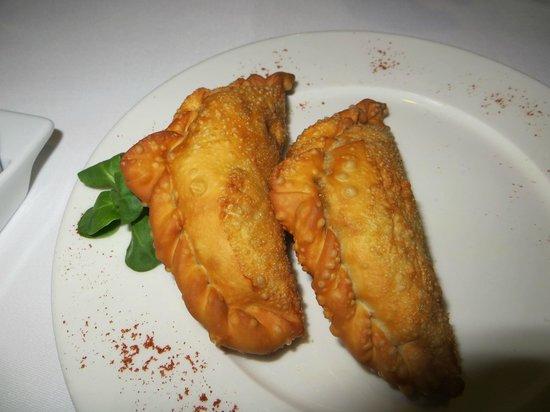 Restaurante 9 Reinas: Spicy empanadas were tasty enough
