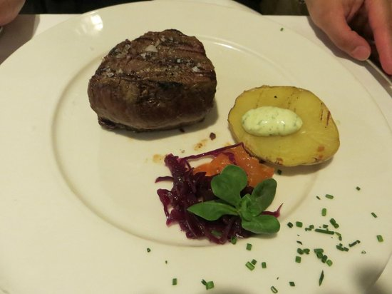 9 Reinas : The steak was simply great