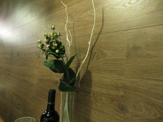 9 Reinas : Wooden wall decor