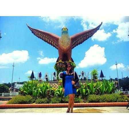 Dataran Lang: Eagle square ;)