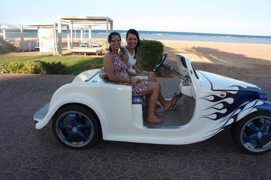 Premier Le Reve Hotel & Spa (Adults Only): Fun in the car :)