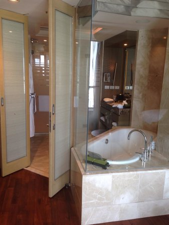 Sofitel Bangkok Sukhumvit : Bathroom