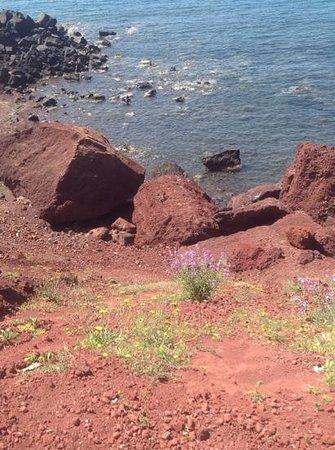 Red Beach: a must in santorini