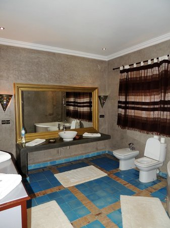Hotel Sultana Royal Golf: badkamer