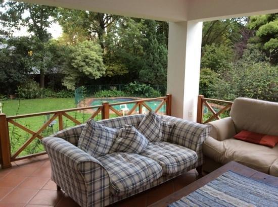4Living Guest House : verandah