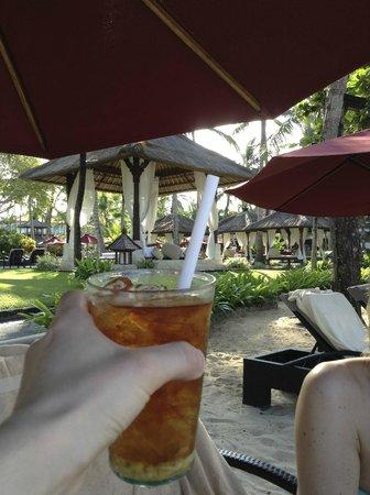 The Laguna, a Luxury Collection Resort & Spa: Beautiful cabanas!