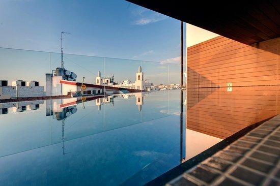 Hotel Indigo Madrid - Gran Via : Piscina