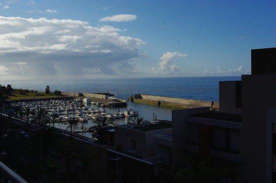 Savoy Calheta Beach: chambre 810 on voie la mer sur le coté en face la partie principale de l'hotel