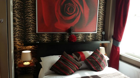 De-Lovely : The Tiger room