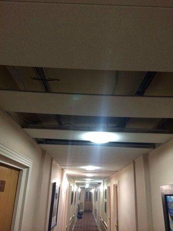 Richmond Hill Hotel : Corridor outside the room