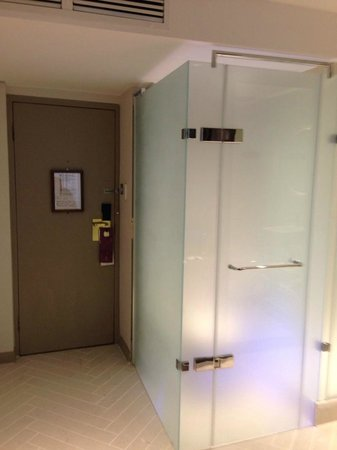 Richmond Hill Hotel : toilet