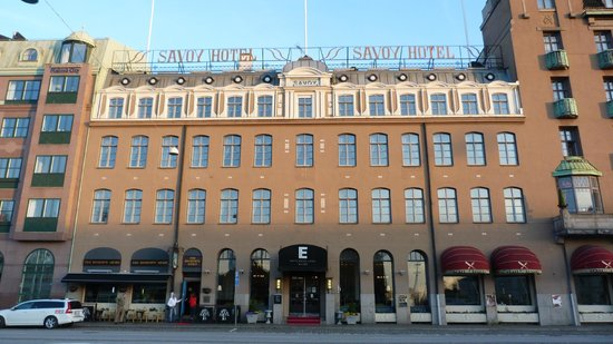 Elite Hotel Savoy: Hotel front in day light