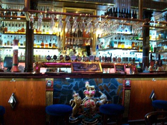 Elite Hotel Savoy: Hotel bar