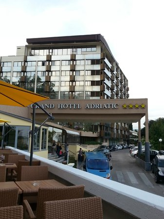 Grand Hotel Adriatic: L'ingresso dell'Hotel