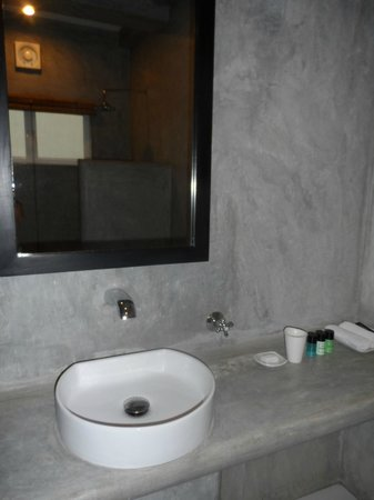 Taru Villas - Lake Lodge: Great wet room